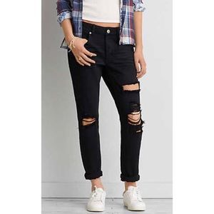 American Eagle• Tomgirl Distressed Black Jeans